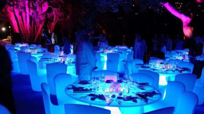تاجير طاولات مضيئة بالكويت | 98077688 | ضيافة الكويت
